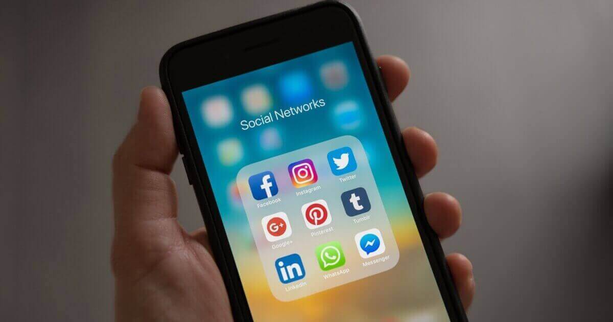 Social Media Marketing: Facebook vs. Instagram
