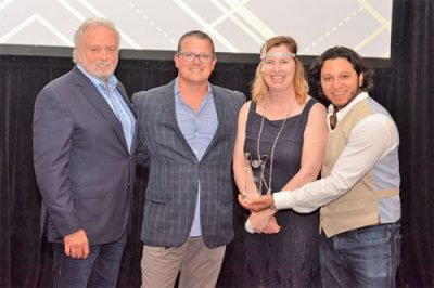WSI Presents Top Rated Supplier Award to SharpSpring